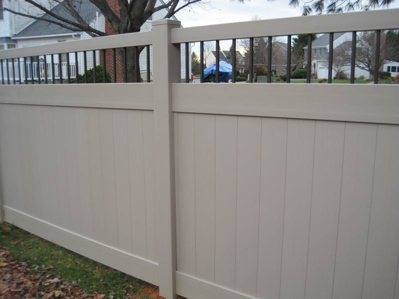 Bedford aluminum Spindle Style Privacy Fence