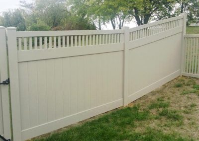 Prizm Vinyl Corporation_Privacy Fence-Bedford, Contemporary Fence-Breezewood
