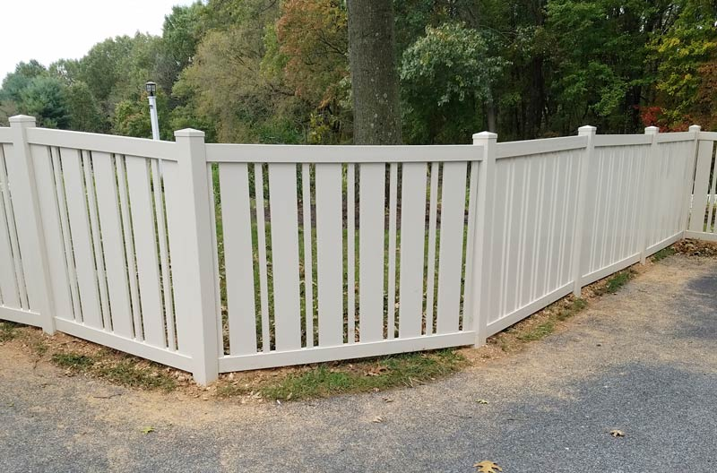 Somerset Style Contemporary Fence