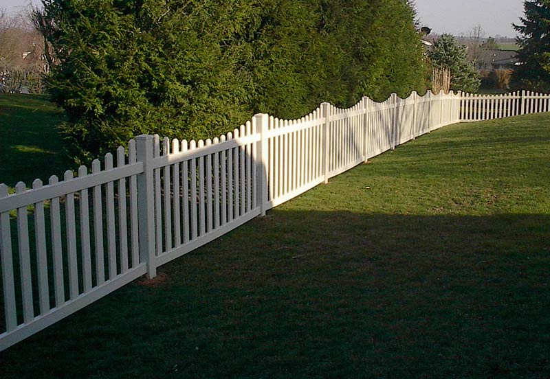 Harrisburg Style Picket Fence